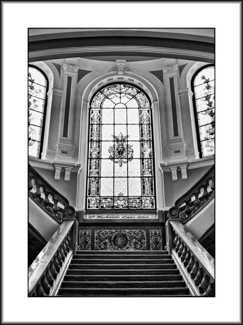 1_escalinata300511