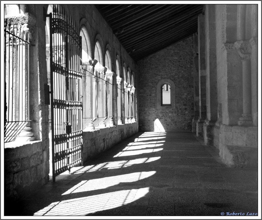entrada-iglesia-de-s-millan-la-alhambra